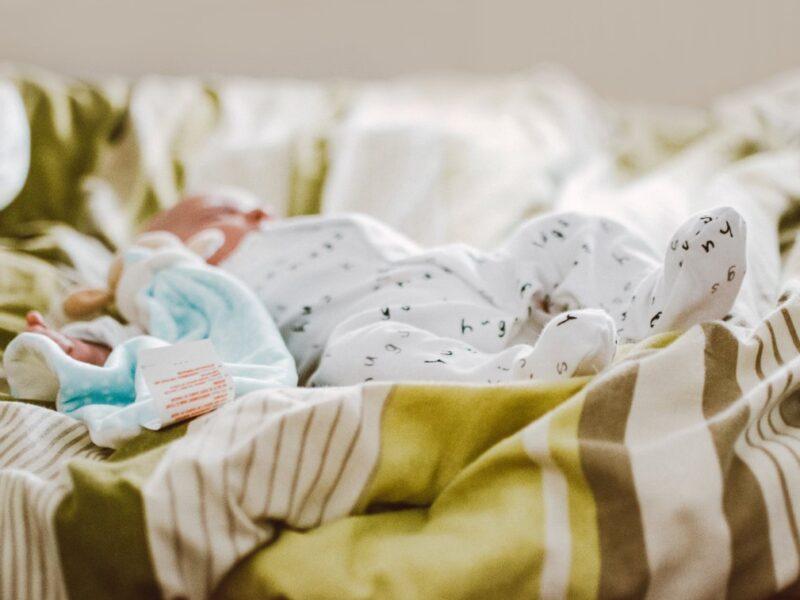 Hvilken babyalarm skal jeg vælge?